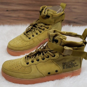 New Nike Air Force 1 SF Mid Sneakers